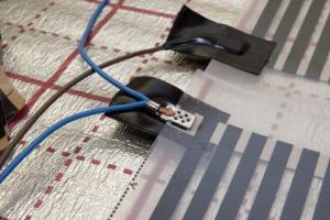 Комплект усановочный для монтажа ик теплого пола 2 клипсы + 6 изоляторов
