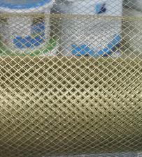Сетка металлическая желт. ширина 1м ячейки 4х4, 8х8мм.