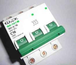 Автоматы (автоматический выключатель) ДЭК 3Р 10-20А